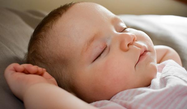 Baby schläft nicht alleine